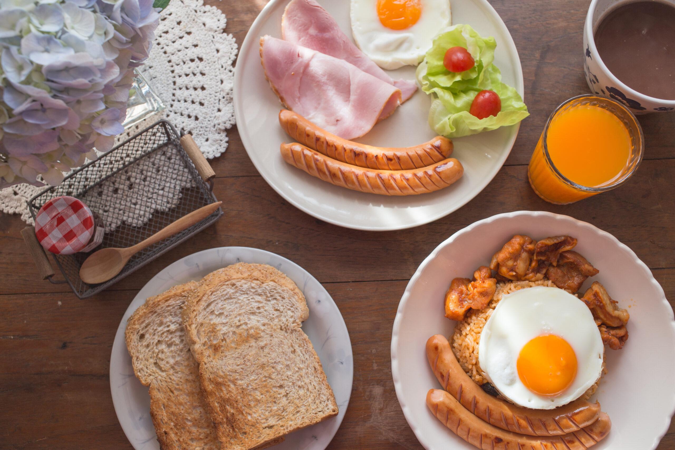 休日は朝ごパン食べる派です。