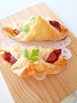 冷凍パイシートで簡単♪ソーセージのパイ包み♪