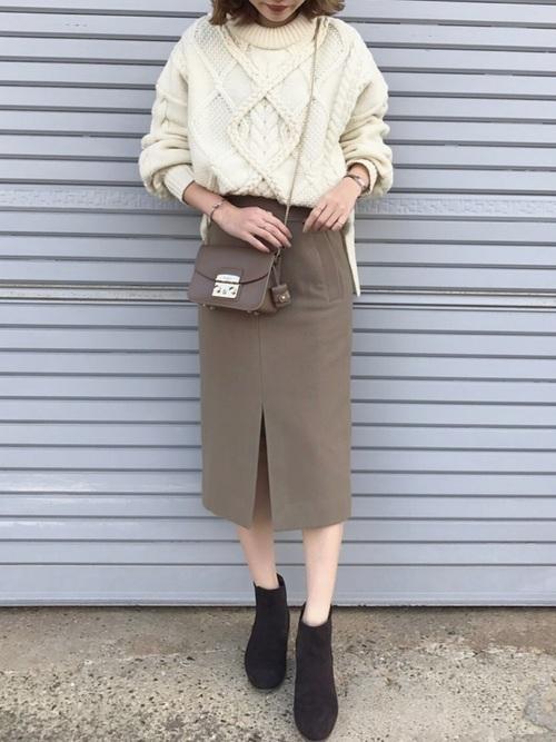▷ひざ下スカート