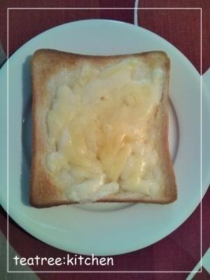 意外なおいしさ♪シュガーチーズトースト