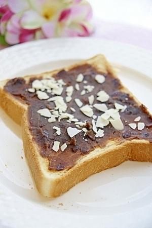 あんこ&アーモンドトースト