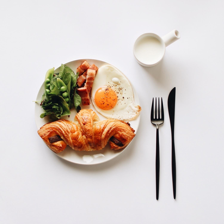 ④「食べ過ぎたら次は控える」を意識する