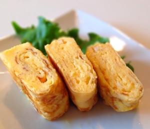 丸いフライパンで甘い卵焼き