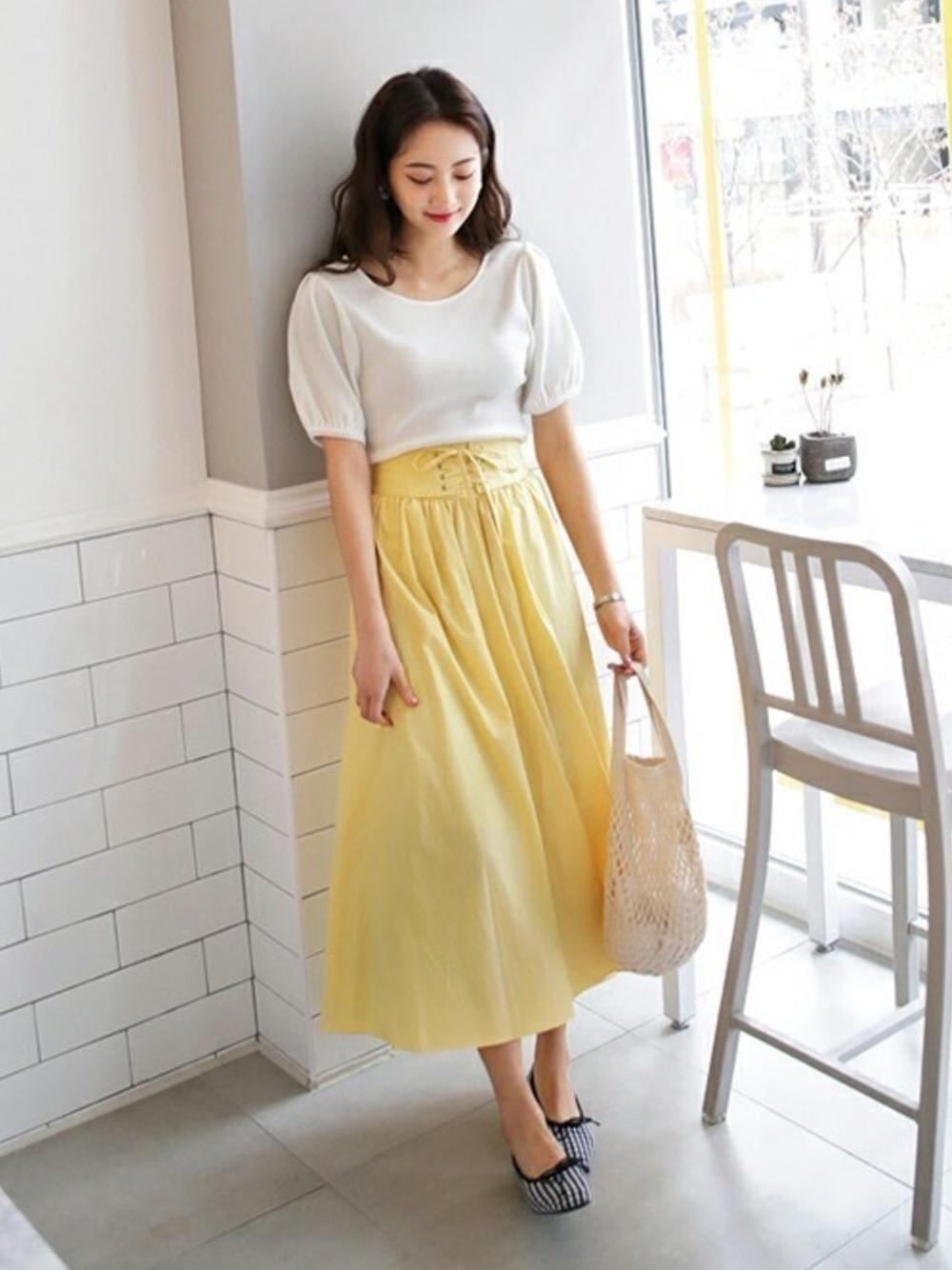 ①淡い黄色→綺麗め