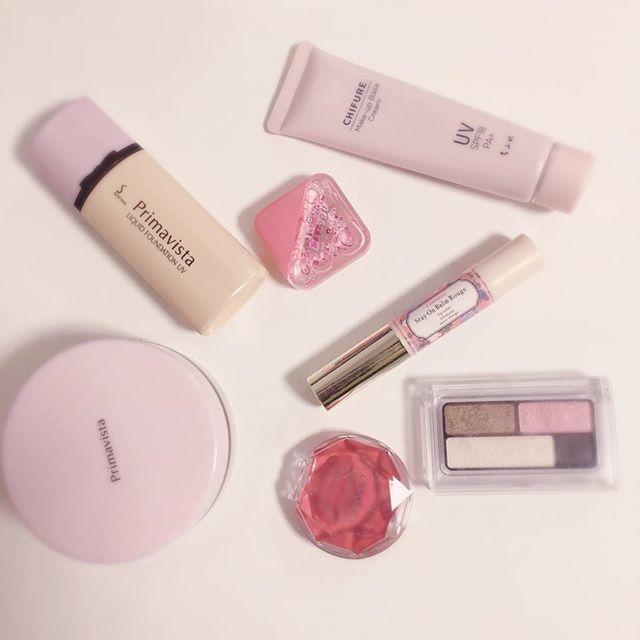 ♡ピンク色の下地で美人の雰囲気を演出
