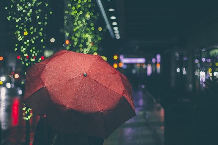 普段の日、あまりビニール傘を使わない件