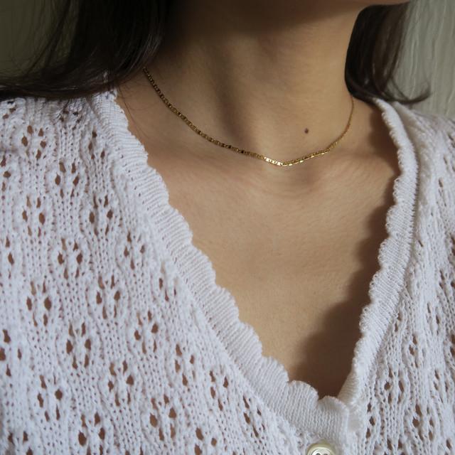Bar motif necklace