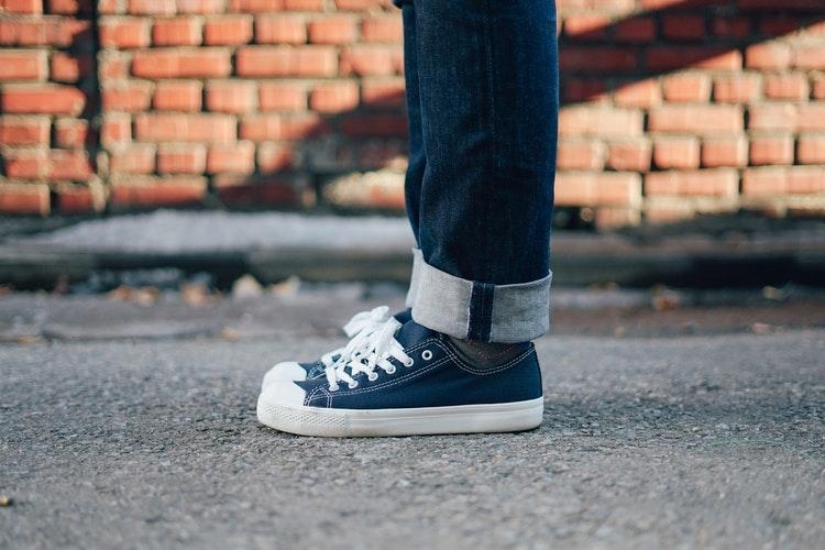 '靴紐きゅっキュン'するためにスニーカーを履く