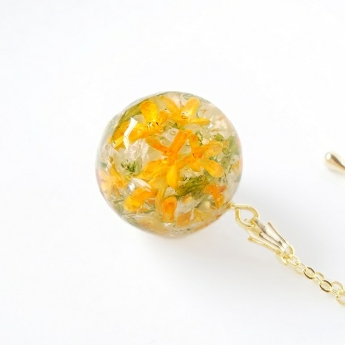 金木犀とユーフォルビアのお花のペンダント-natural flower pendant-