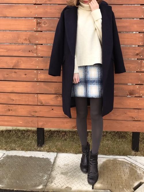 1)ザ・女子な雰囲気♡ミニスカート×チェスターコート