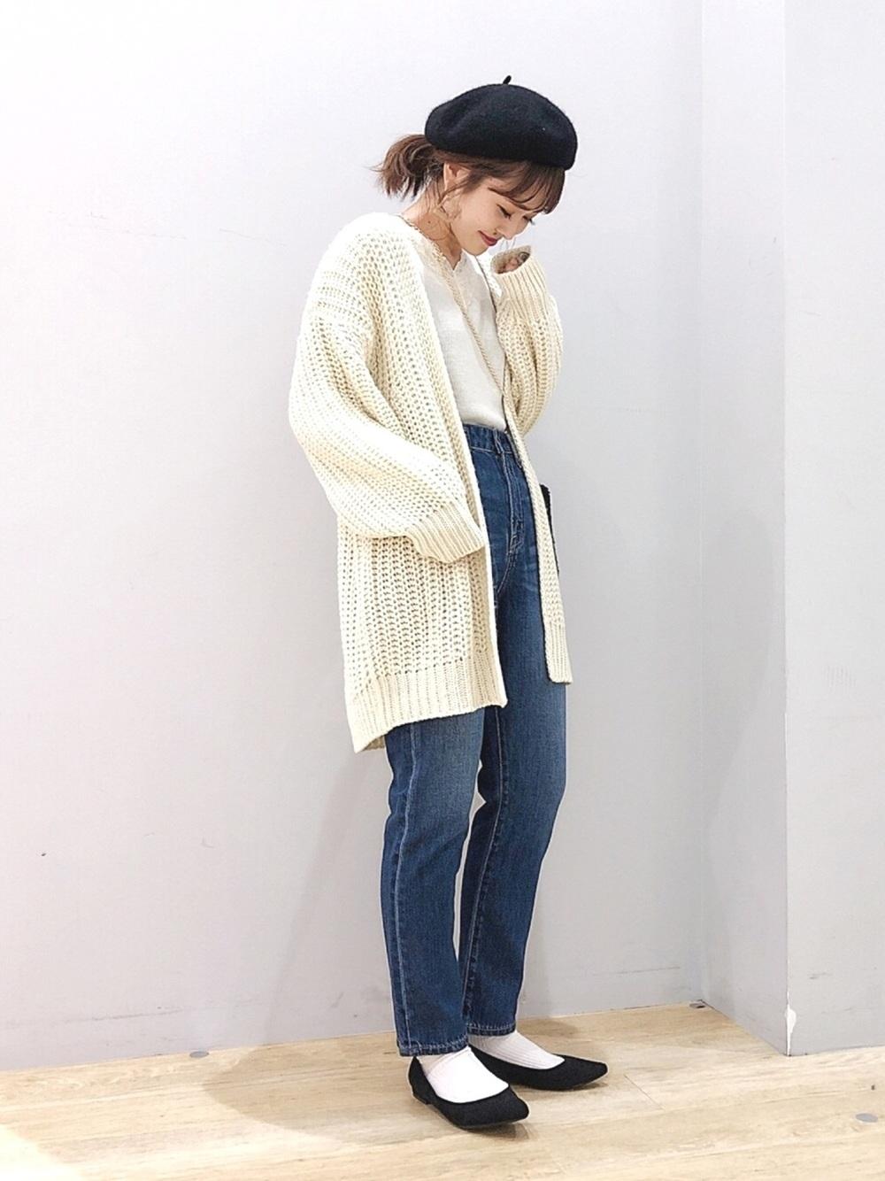 シンプル可愛く♡白トップス×白ロングカーデ