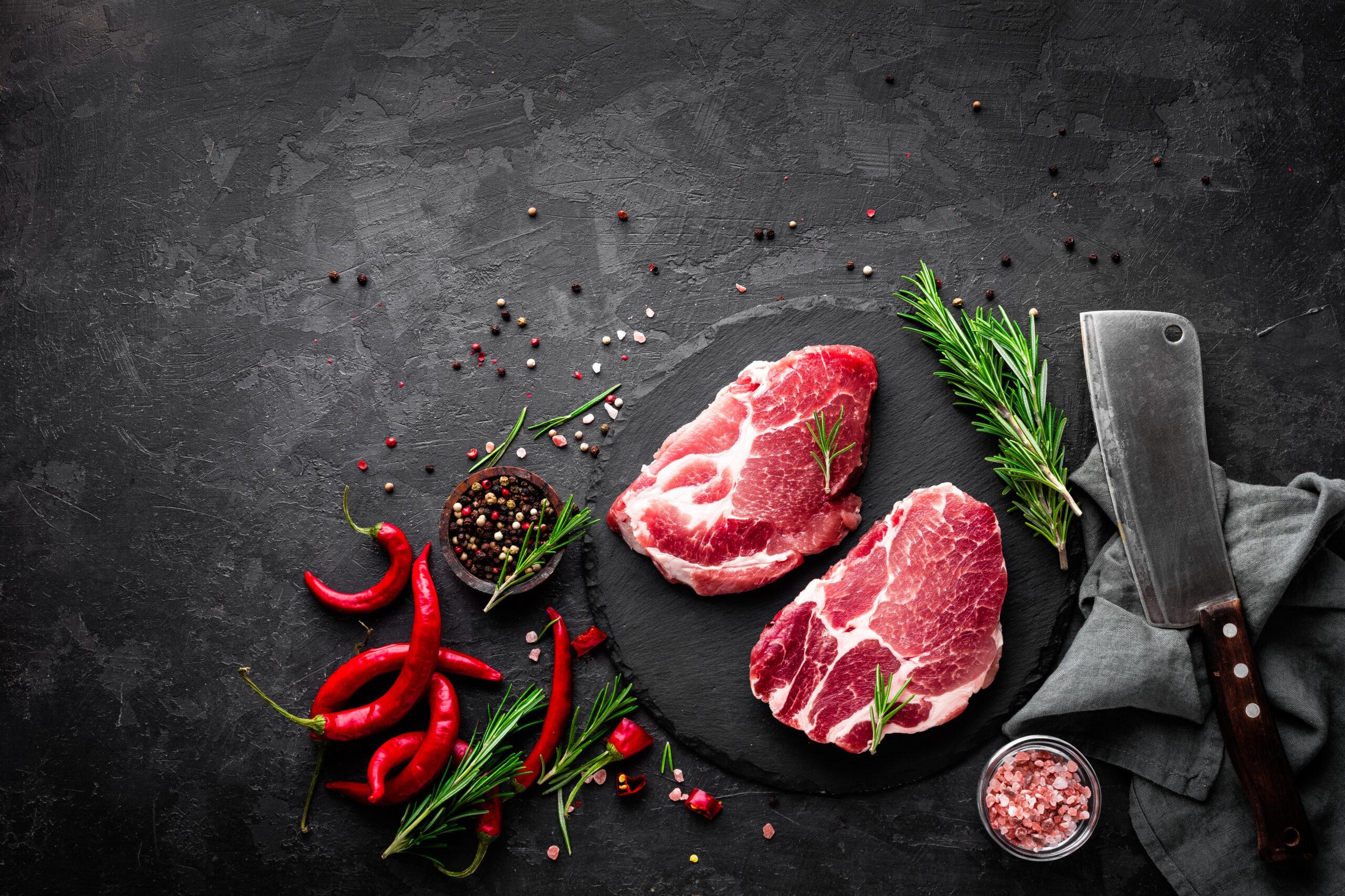 ②たんぱく質(お肉など)は、紙コップ半分ほどの量