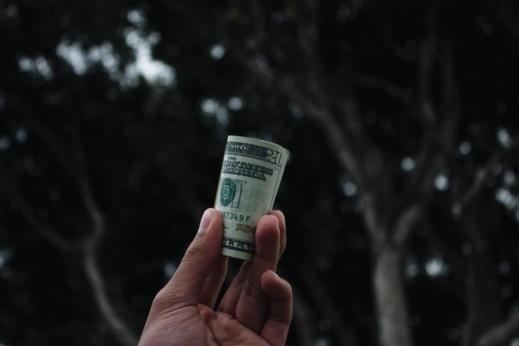 1. 自分にとって、金額がお高め…