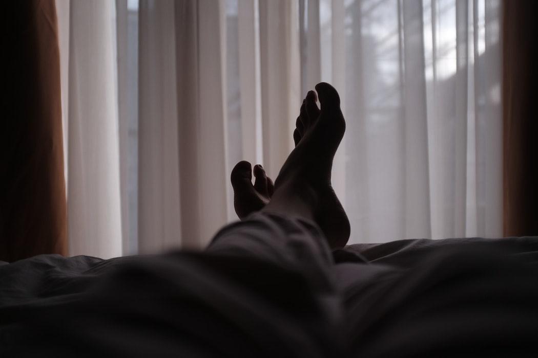 起床前5分以内:着替えは布団の中で