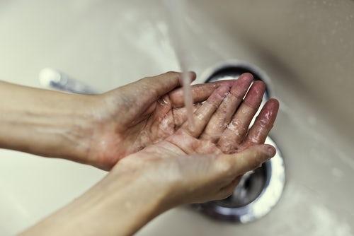 起床5分以内:お湯で指先を温めて