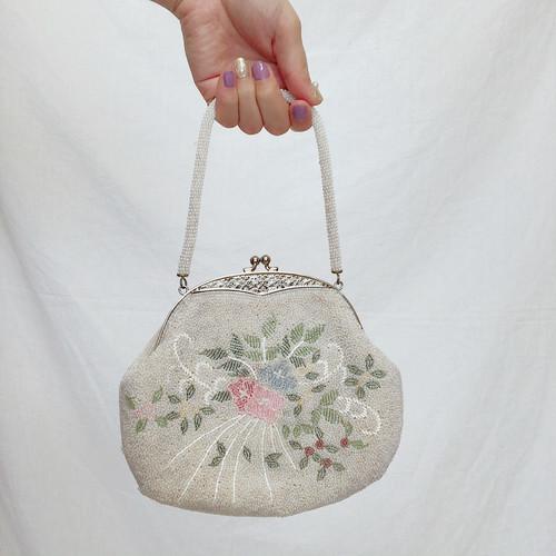 beads bag / flower motif