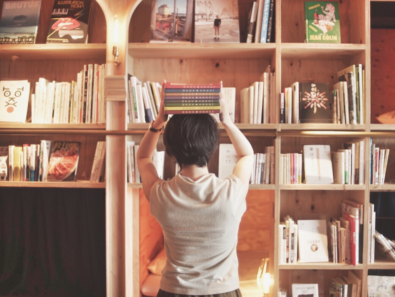 □あれ隠した?人となりは本棚に現れてるっ!