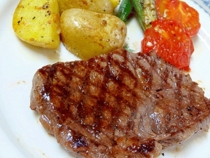 赤身でも美味しい♪ 「鉄板焼きステーキ」