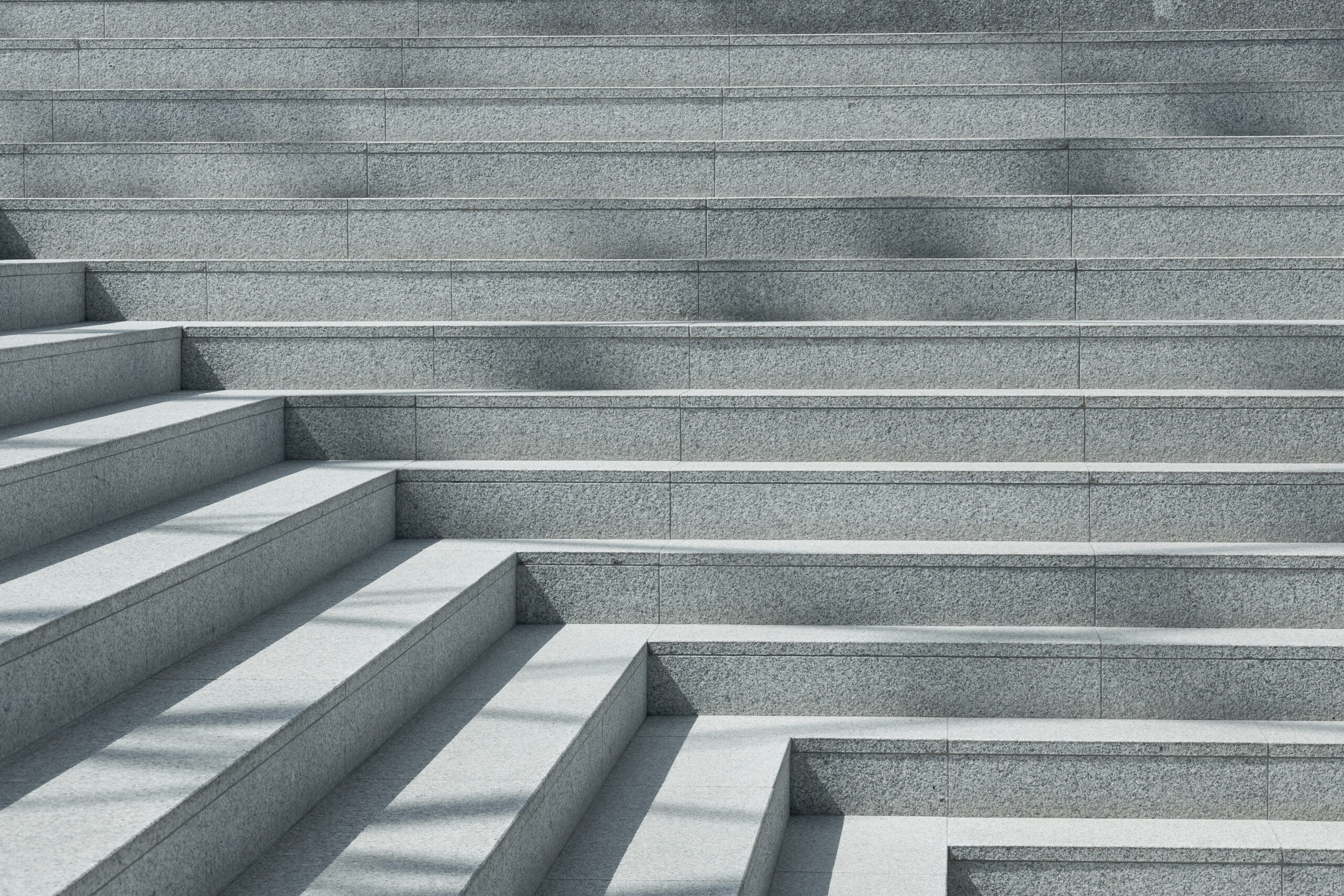 エスカレーター✕、階段◎