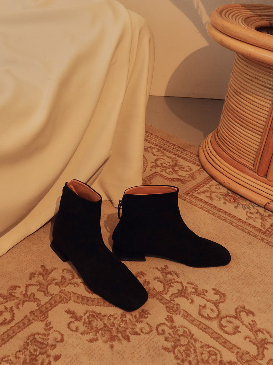 黒と茶色ばっか履きがち。