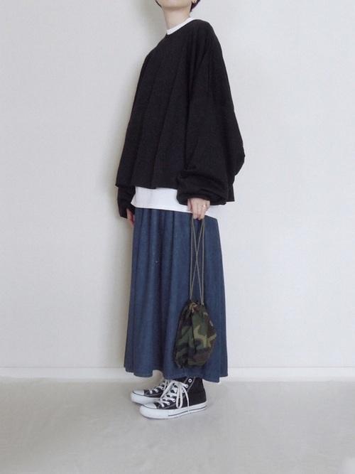 (2):ロングスカートはゆるいトップスと