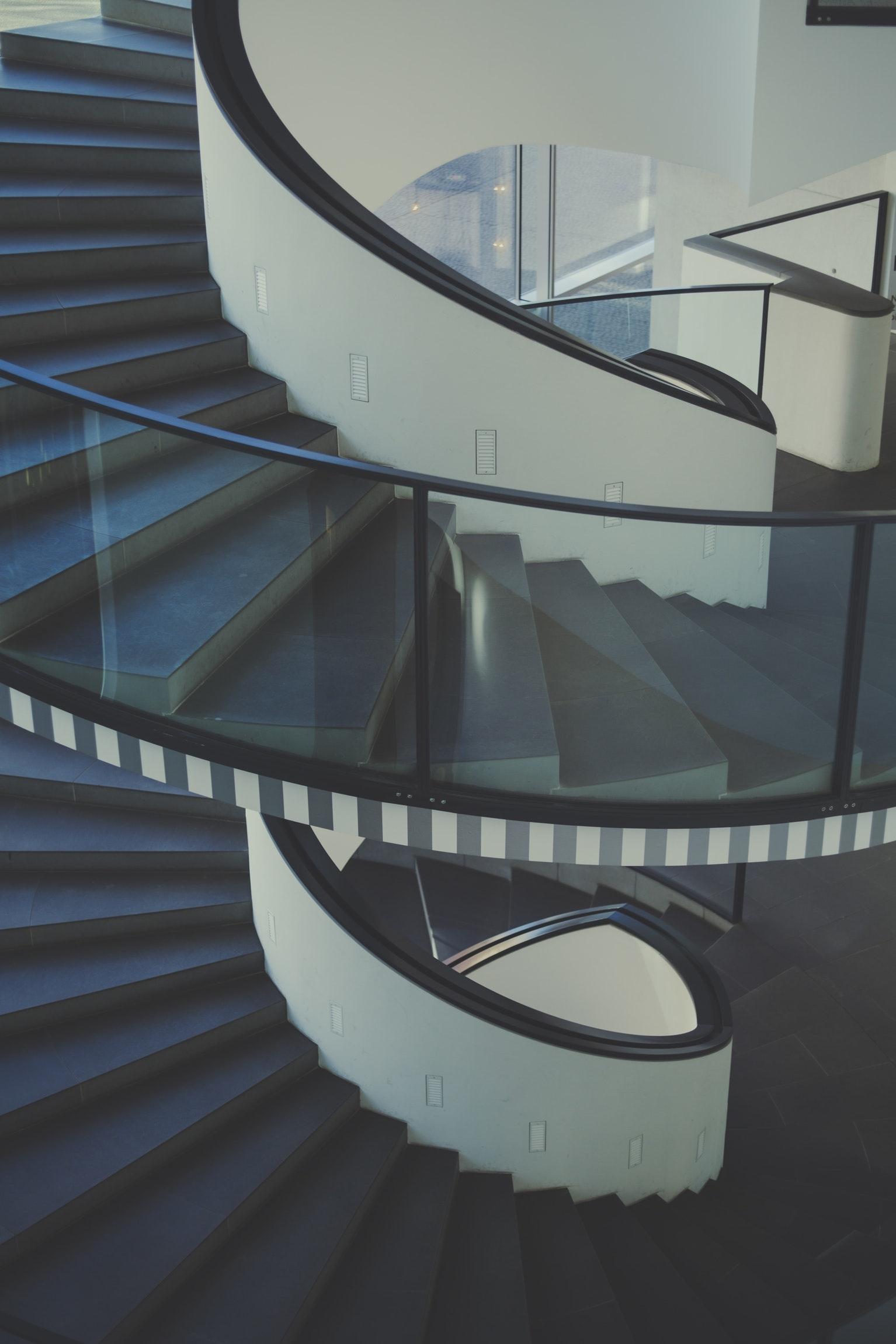 移動はできるだけ階段で!