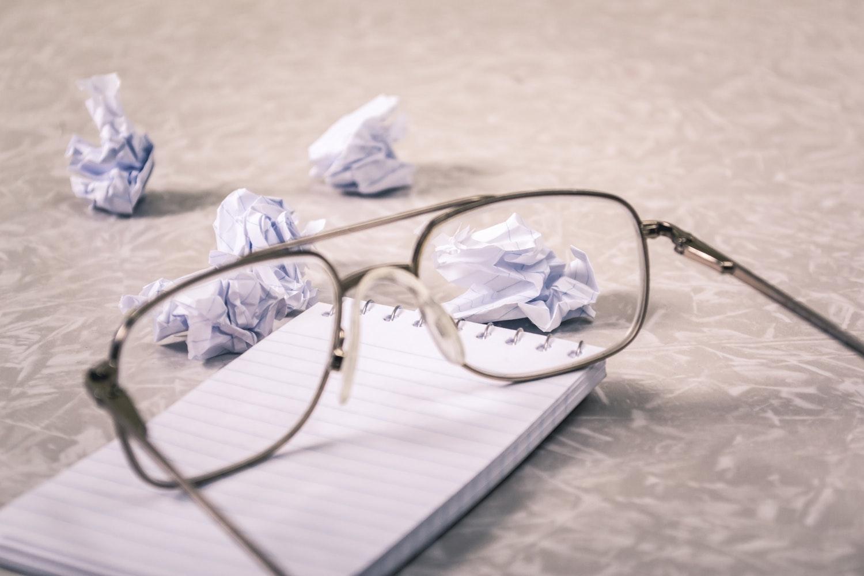 ブルーライトカットメガネを使う