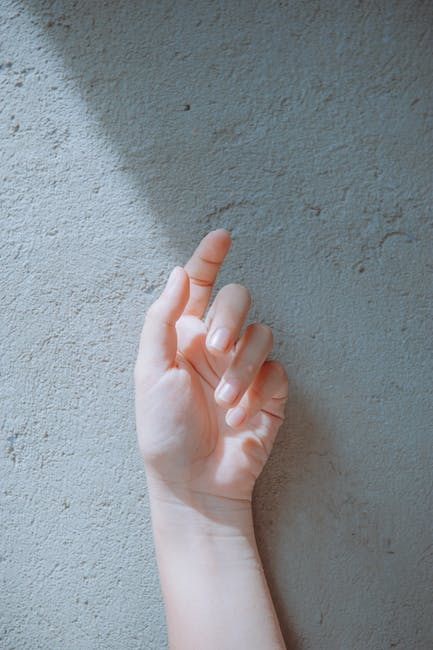 手への負担が少ない洗剤を使う