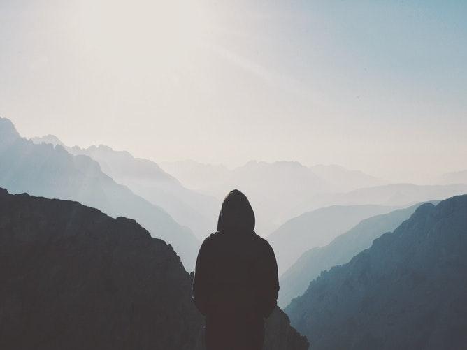 人生は山あり谷あり