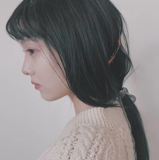 黒髪ロングはなぜ垢抜けない?悩めるgirlsが重い印象を取り除くためにするべきこと