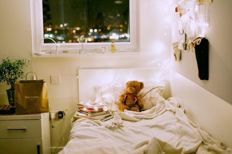 冷房の効いたお部屋で、1日中ゆる〜くいきましょ。外に出ない猛暑な休日の過ごし方