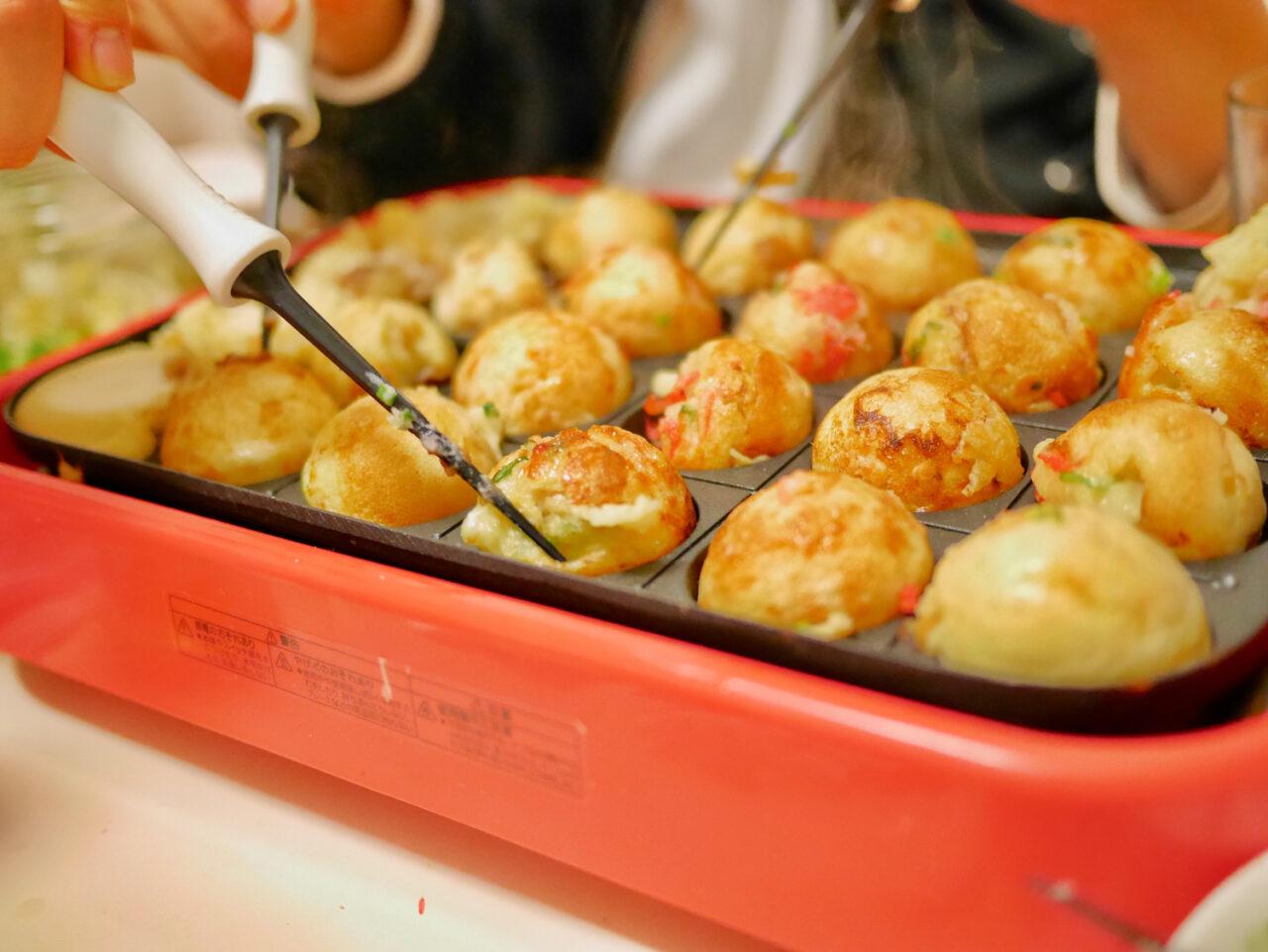 たこ焼きパーティの新しい楽しみ方を発見。材料をそのままでもっと楽しむレシピ