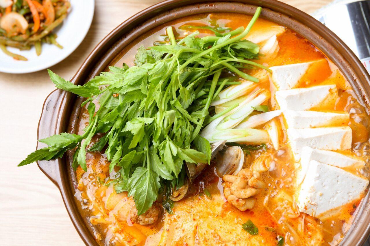 冬のお家デートは鍋で体を温めて。カップル向け体ポカポカ鍋レシピのご紹介