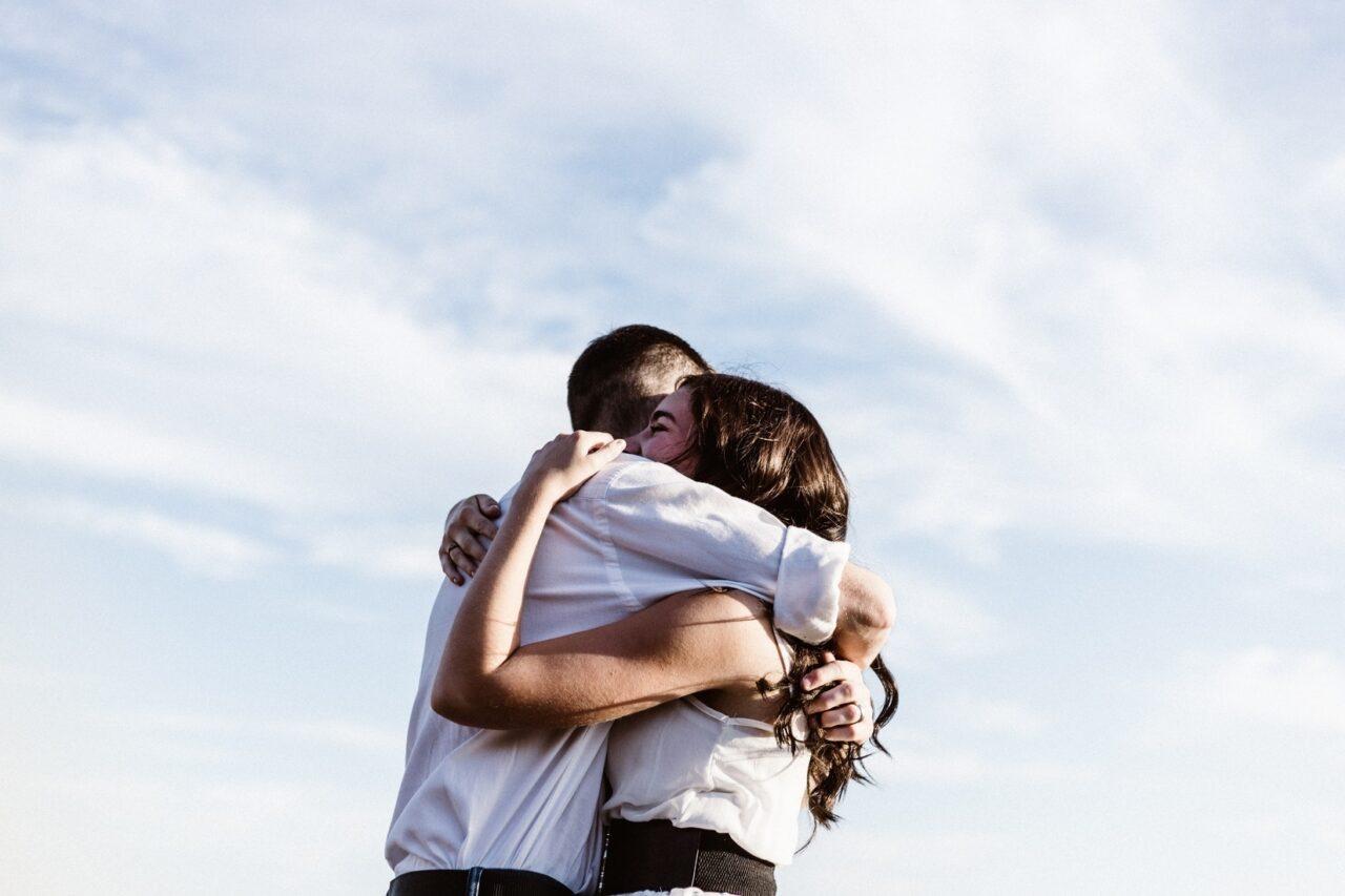 好きと幸せは両立しないの?彼のことが好きなのにツライ…と悩める女の子へ