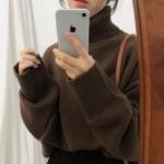 ほっこり茶色ニットコーデ18選♡合わせるスカート・パンツ・アウター別にご紹介!