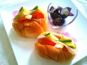 朝ご飯にぴったり!生ハムフレッシュ野菜サンド♡