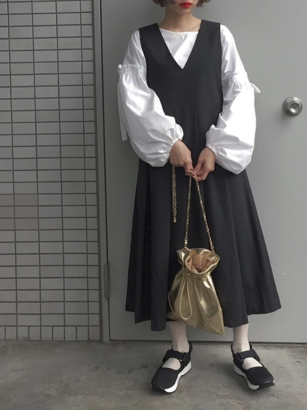白ブラウス×ジャンパースカート