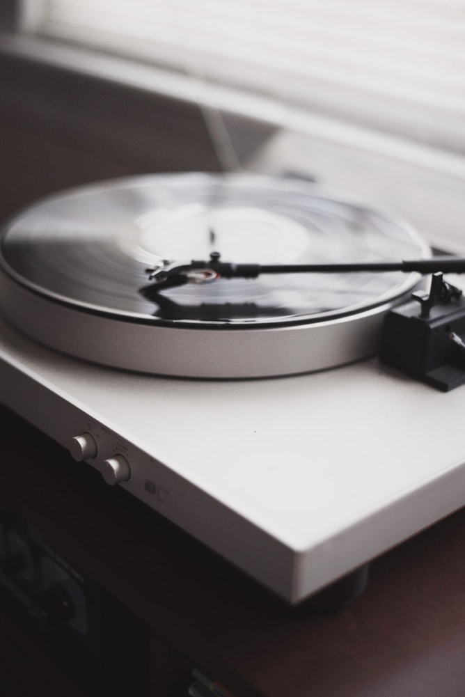 クラシック音楽 or ヒーリング音楽