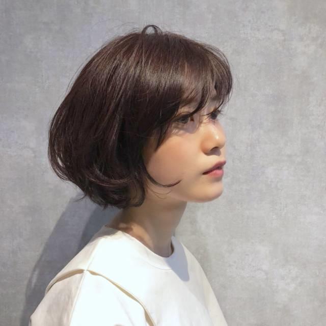[ショート]毛先で遊ぶ、韓国風ヘア