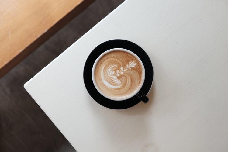 応急処置としてカフェインを摂取