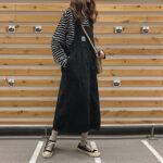 カジュアル可愛いスカート×スニーカー。王道の組み合わせも、季節ごとに差をつけよっ