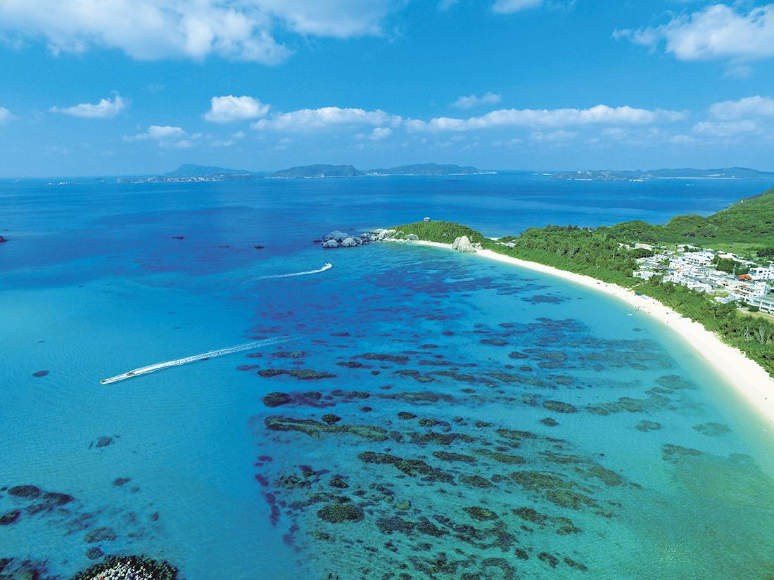 3)ケラマブルーを求めて「渡嘉敷島」へ。