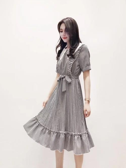 フェミニンファッション×ハーブ系