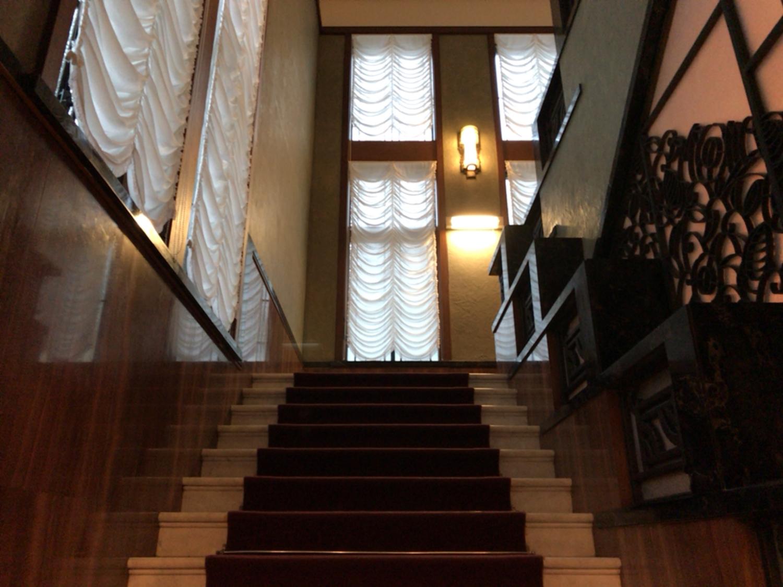 シーン1:階段を上る時