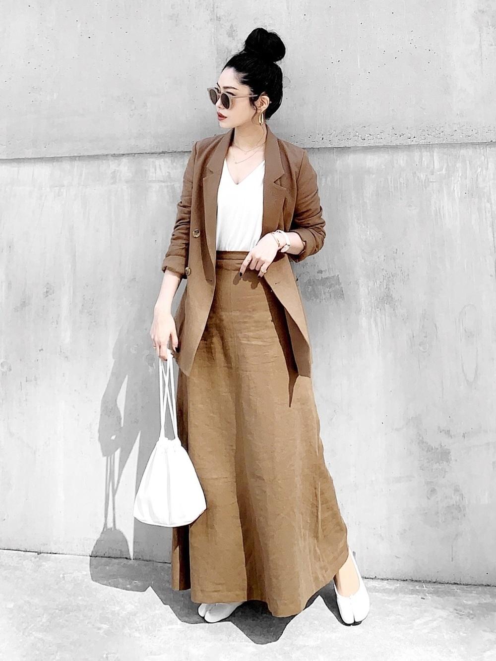 ブラウンセミフレアロングスカート×ブラウンジャケット