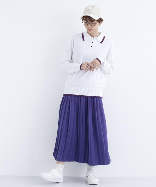 プリーツスカートでスクールガール風