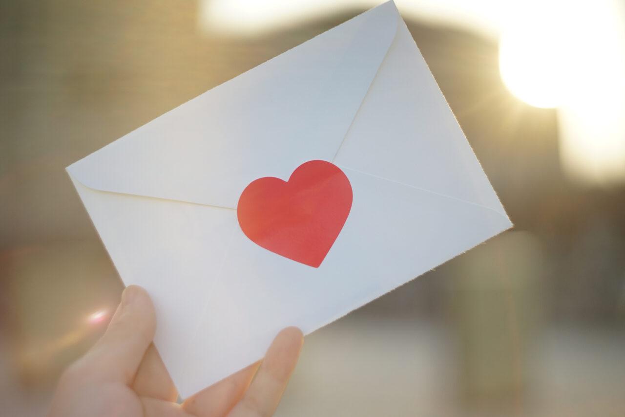 新しい時代も画面越しに「ありがとう」?気持ちが伝わる手書きメッセージのすゝめ