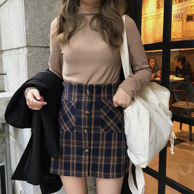 ネイビースカートで年中無休コーデ♡季節別で足元に合わせる靴やカラーをご紹介