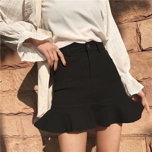 「ミニスカートを穿くのが悪い」わけない。不躾な視線をパスして'脚出し'を満喫