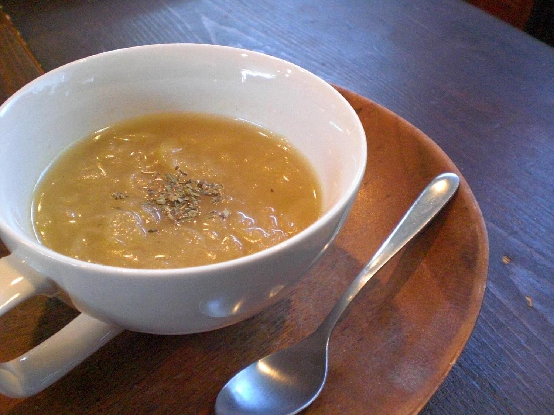 温かくて食べごたえのあるスープを